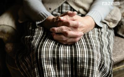 Zapytanie w sprawie sytuacji samotnych osób starszych